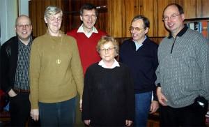 Das Helferteam für den Rundschreibenversand: Jens Billerbeck, Sabine Dahm, Udo Kasprowicz, Rita Schwindt, Georg Lauer und Pter Kraus (v.l.) unterstützen den Vorsitzenden Manfred Hill