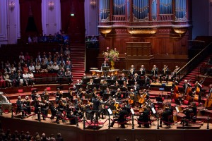 Düsseldorfer Symphoniker unter Constantin Trinks in Amsterdams Conzertgebouw