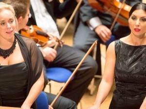 Elisabet Strid und Ramona Zahira in der Tonhalle.
