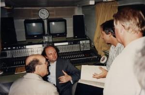 Marek Janowski (Mitte) im Ü-Wagen des WDR mit den Aufnahme-Teams