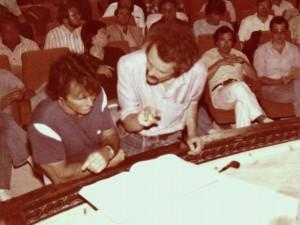 Garcia Navarro und Winfried Maczewski bei der Klavierprobe