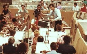 John-Eliot Gardiner bei der Orchesterprobe 1981 in Orange, Frankreich