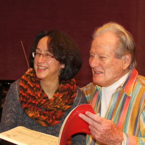 Sir Neville Marriner mit Chordirektorin Marieddy Rossetto, September 2014 in der Tonhalle Düsseldorf