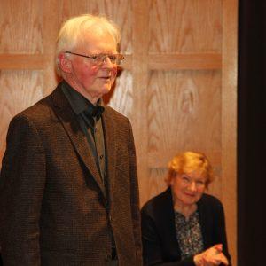 Reinhard Kaufmann mit seiner Frau bei der bewegenden Begrüßung durch den Chor am 13.12.2016 zum Abschied im Helmut Hentrich-Saal der Tonhalle