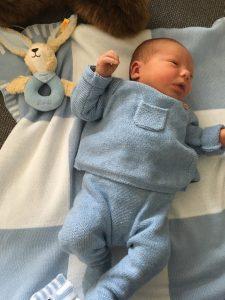 Vincent Diehl, Sohn unserer Sängerin im Sopran, Katrin Diehl, wurde am 16.3.2017 um 16:11 Uhr in Gerresheim geboren. Mit 3580 Gramm und 53 cm ist der kleine Mann gesund und munter; Letzteres gilt auch für die Mutter.