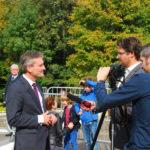 OB Thomas Geisel beim TV-Interview nach der Veranstaltung vor dem Aquazoo