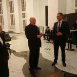 Intendant Christian Dietrich und Musikvereinsvorsitzender Manfred bei der kleinen Nachfeier nach dem Festakt.
