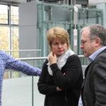 Schulleiterin Monika Pohl im Gespräch mit Gästen