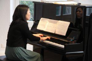 Rie Sakai, Klavier