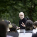 Rainer Templin mit dem UHU-Orchester (Clara-Schumann-Musikschule)