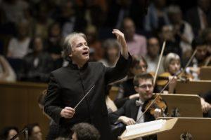 GMD Axel Kober fordert den Chor