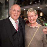 Manfred Hill mit der Vorsitzenden des Chorverbandes Düsseldorf Christel Paschke-Sander