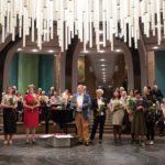 Manfred Hill dankt dem AK-Festorganisation: Renate Bode, Beatrix Brinskelle, Monika Egelhaaf mit Tochter, Alexandra Latsch, Georg Lauer, Mami Linss mit Tochter, Dr. Karl-Hans Möller.