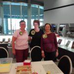 Das engagierte Damenteam beim Weltkindertag in der Bürgerhalle des Landtages: Kristina Miltz, Monika Egelhaaf und Teresia Petrik (v.l.n.r.)