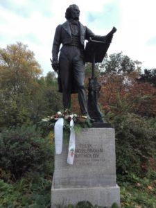 4.11.2018-Gedenken an den ehemaligen Musikdirektor am Mendelssohn-Denkmal