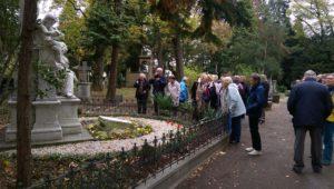 Musikvereinsreisende am 1.11.2018 an Schumanns-Grab