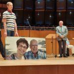 Überraschungsgeschenk der Mitglieder mit 1.000 Pixel-Bilder