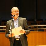 Stefan Schwartze trägt den Bericht des Schriftführers vor.