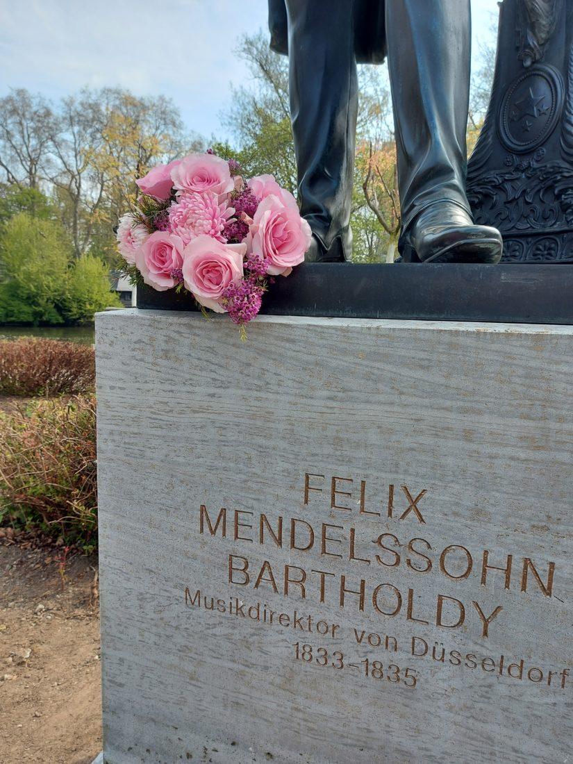 Mendelssohn-Denkmal: Blumen für Felix